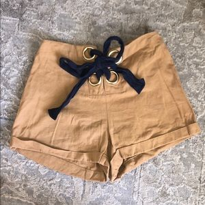 Beautiful classy bow tied shorts